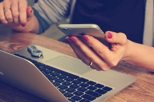 发现自家员工的简历后HR该如何操作呢?